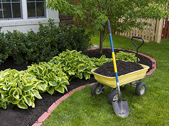 Lawn Treatments Chesterfield MO Specialists Offer Their Fall Mulching Tips